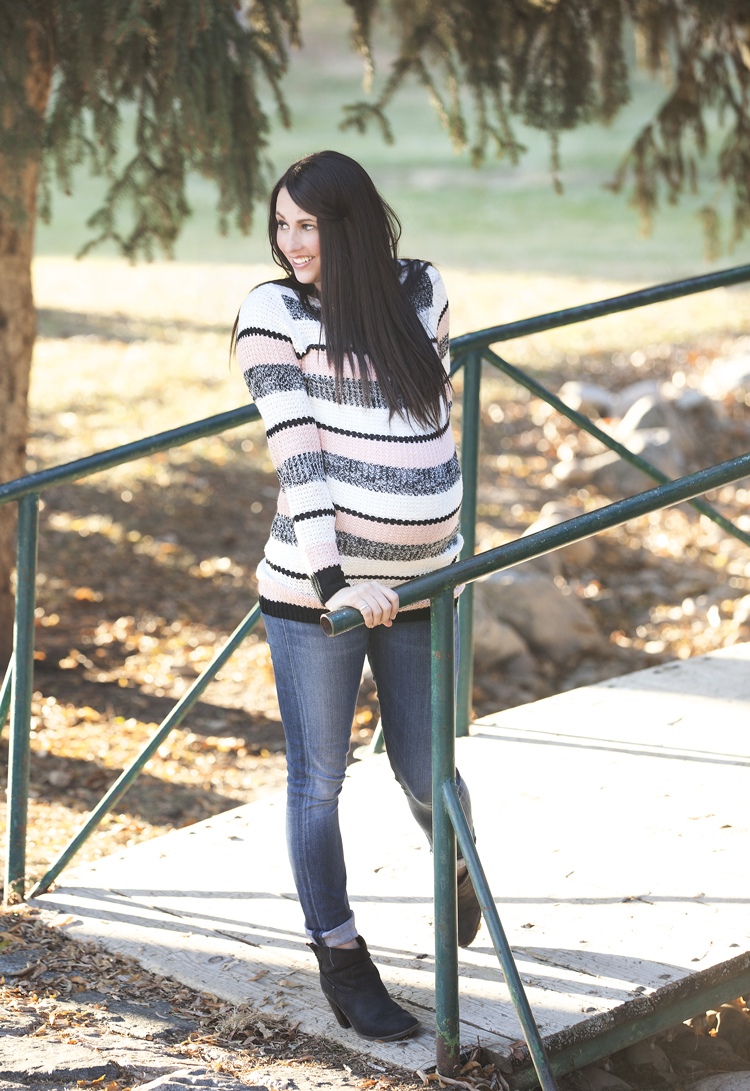 Striped-Maternity-Sweater-3
